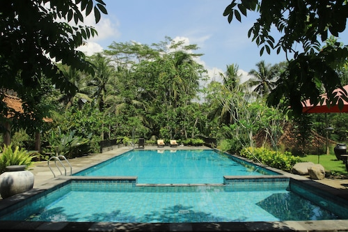 Amata Borobudur,Mungkid