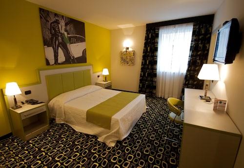 . InVilladiserio Hotel