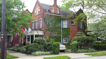 Clifford House Private Home Bed & Breakfast