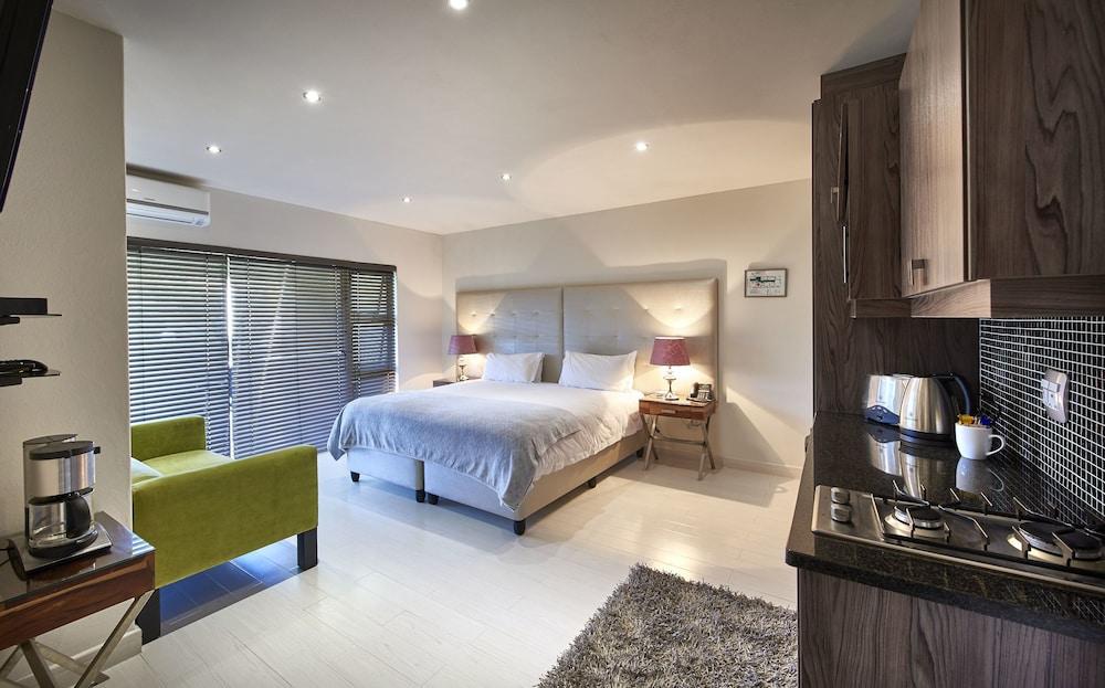 Dynasty Forest Sandown Hotel & Conference Centre, City of Johannesburg