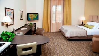 Studio Suite, 1 Queen Bed, Accessible (Mobil Roll Shwr)