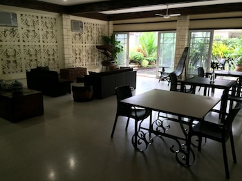 Domicilio Lorenzo Apartelle Davao Lobby Lounge