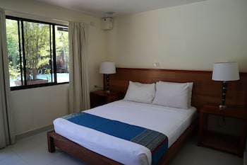 Deluxe Double Room, Poolside