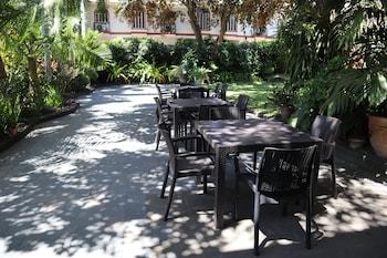 Domicilio Lorenzo Apartelle Davao Outdoor Banquet Area