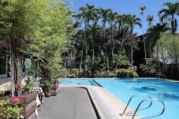 Domicilio Lorenzo Apartelle Davao Pool