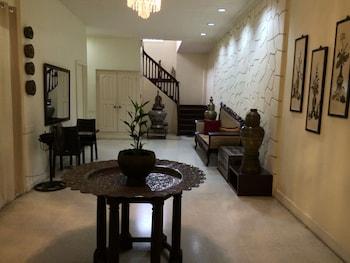 Domicilio Lorenzo Apartelle Davao Staircase