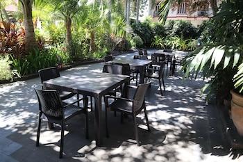 Domicilio Lorenzo Apartelle Davao Outdoor Dining