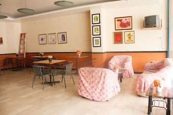 GV Hotel Baybay Leyte Breakfast Area