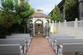 Outdoor Wedding Area at Shalimar Hotel of Las Vegas in Las Vegas