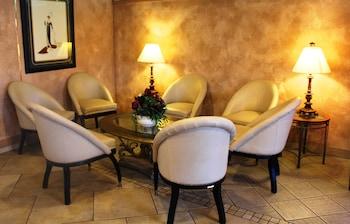 Lobby Sitting Area at Shalimar Hotel of Las Vegas in Las Vegas