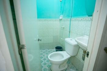 GV Hotel Pagadian Bathroom