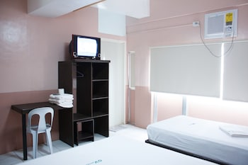 GV Hotel Borongan Room