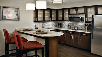 Guestroom at Staybridge Suites Lanham - Greenbelt in Lanham