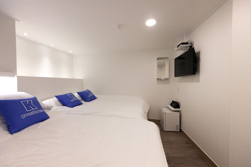 K-Guesthouse Myeongdong 1, Jung