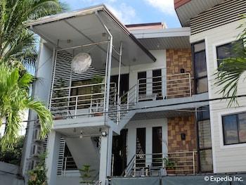 Centrium Condominium Hotel Pampanga Front of Property