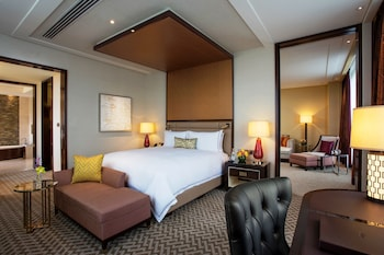 Crown Towers Manila Room