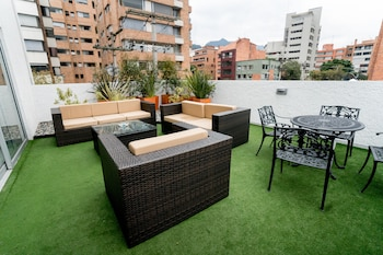 Suite con Terraza 1 King bed, 2 pax