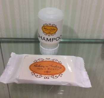 Bahay ni Tuding Inn Davao Bathroom Amenities