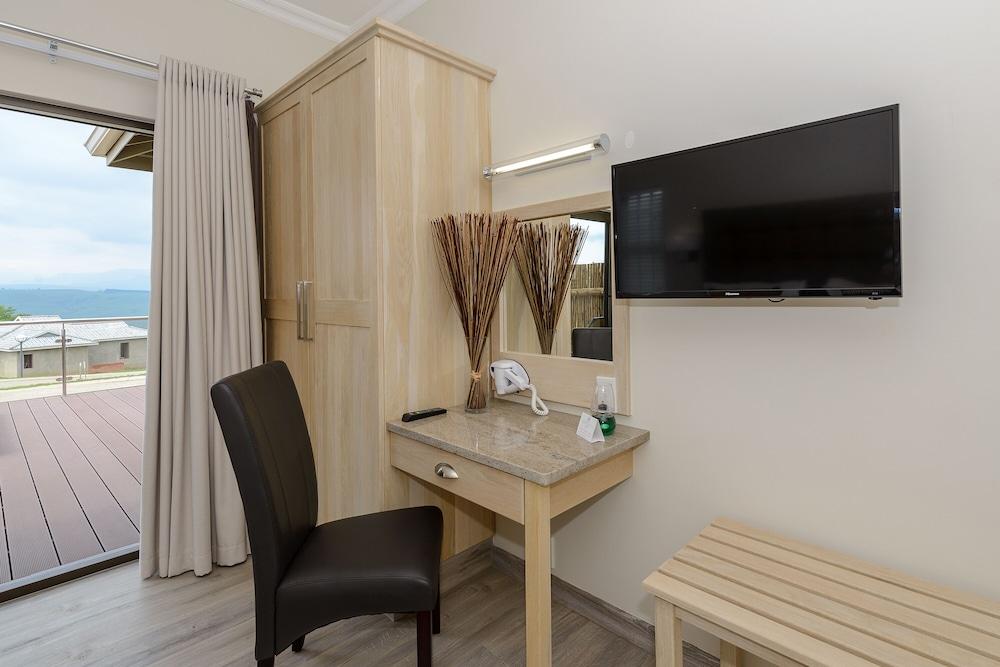 https://i.travelapi.com/hotels/11000000/10400000/10392900/10392857/b312fda3_z.jpg
