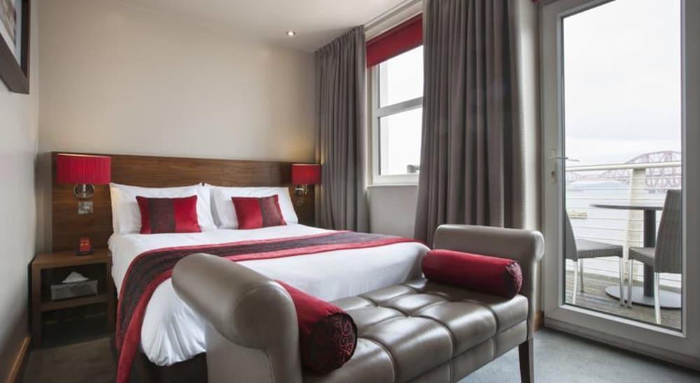 https://i.travelapi.com/hotels/11000000/10420000/10411800/10411747/1c808065_z.jpg