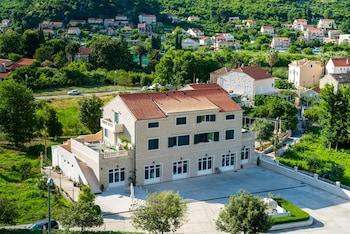 Hotel - Apartments Dubelj