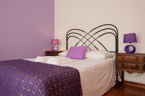 Ericeira Chill Hill Hostel & Private Rooms, Mafra