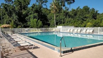 Hotel - Sun Inn & Suites