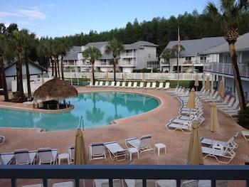 Paradise Lakes Resort, Clothing Optional Resort - Adult Only