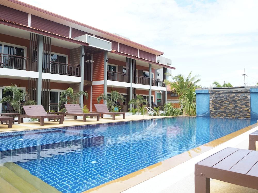 Hatzanda Lanta Resort