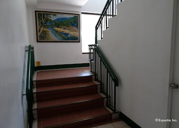 GK BUSINESS HOTEL Staircase