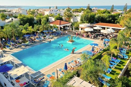 Malia - Kyknos Beach Hotel & Bungalows - All Inclusive - z Warszawy, 10 kwietnia 2021, 3 noce