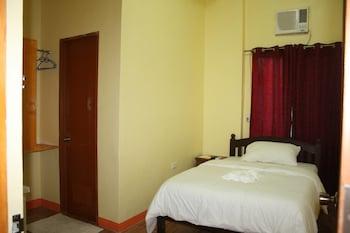 Senorita Suites Davao Guestroom