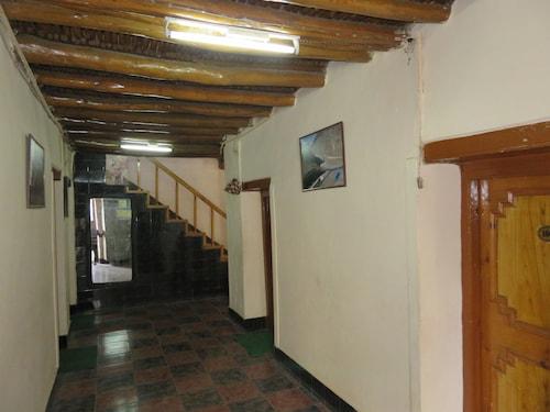 Nezer View Guest House, Leh (Ladakh)