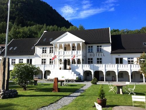 Tørvis Hotell, Luster