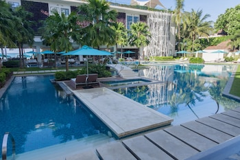 The Lind Boracay Outdoor Pool