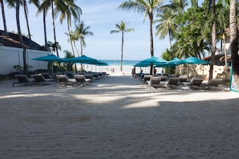 The Lind Boracay Front of Property