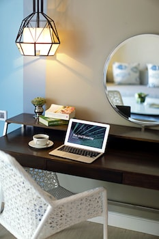 The Lind Boracay In-Room Business Center