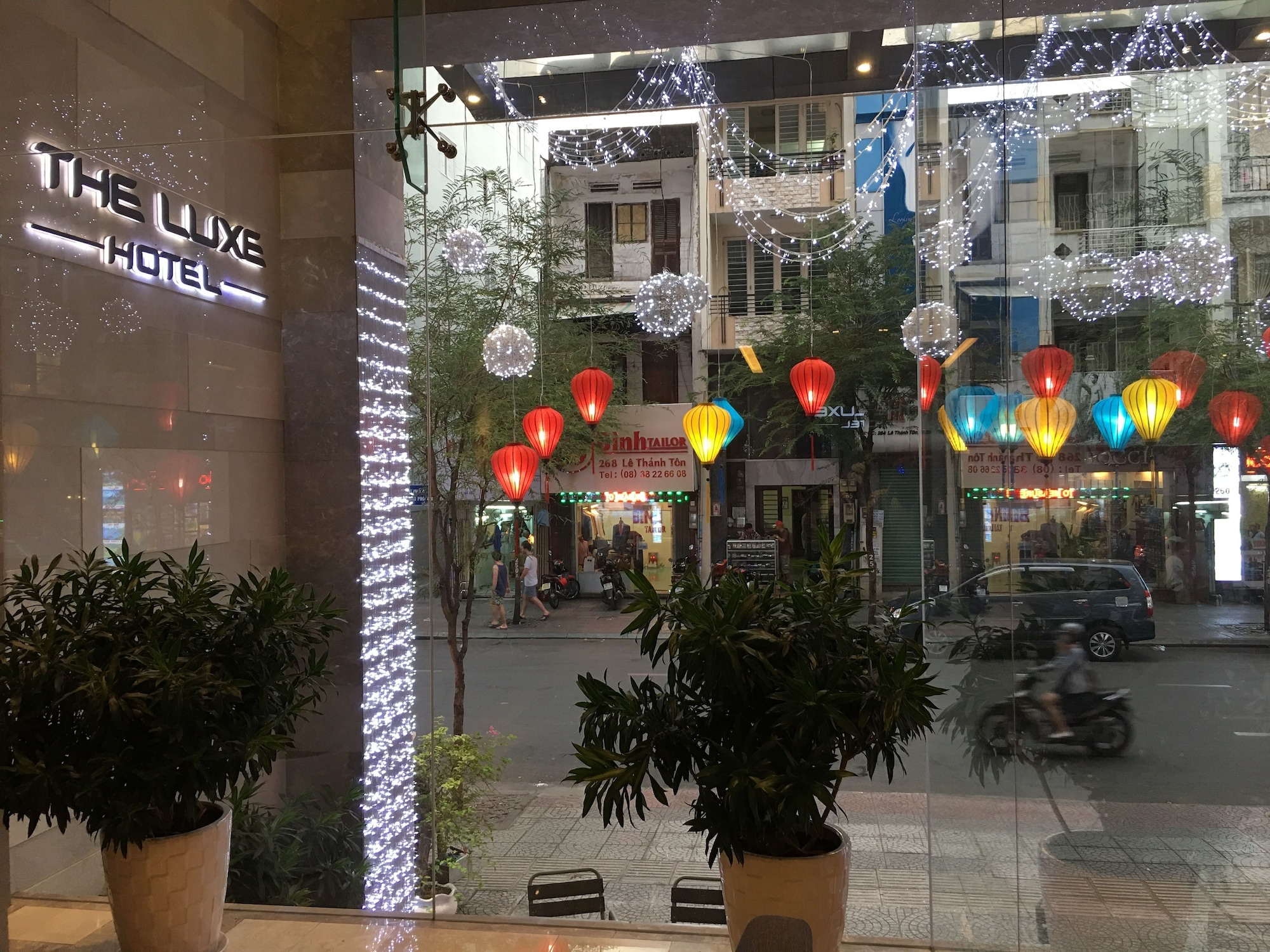 The Luxe Hotel, Quận 1