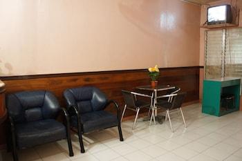 Gv Hotel Naval Lobby Sitting Area