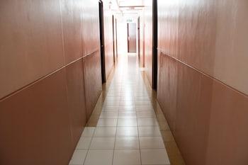 Gv Hotel Naval Hallway