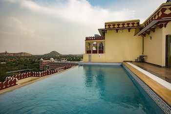 Hotel - Umaid Haveli Hotel & Resorts