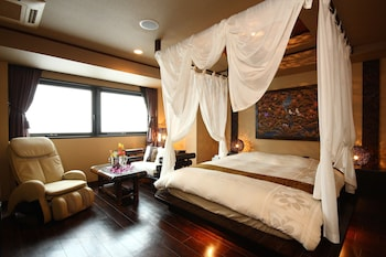 Deluxe Double Room, Non Smoking (Late Check-in @19:00, Checkout @ Noon)