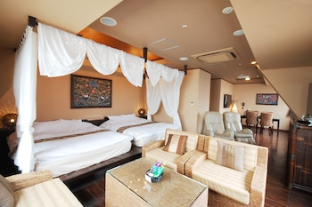 Junior Suite (with Sauna,Check-in/out@19:00/noon)