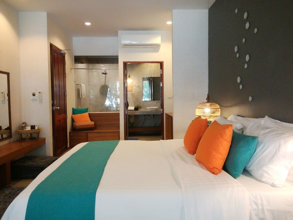Deluxe Double Room with Beach Front