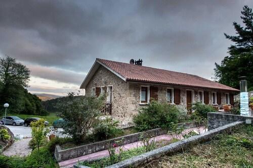 . Hotel Rural Fontequeiroso