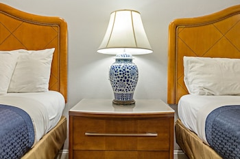 Signature Room, 2 Double Beds, Refrigerator & Microwave