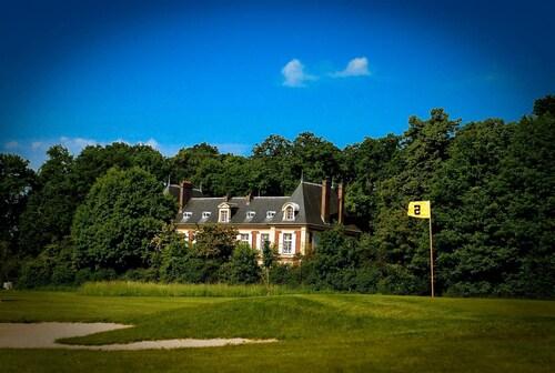 . Château de l'Hermitage