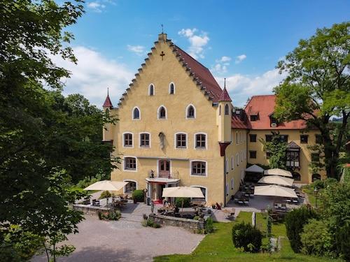 . Schloss zu Hopferau