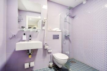 Hotel Point - Bathroom  - #0