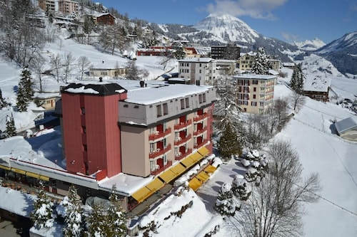 . Alpine Classic Hotel